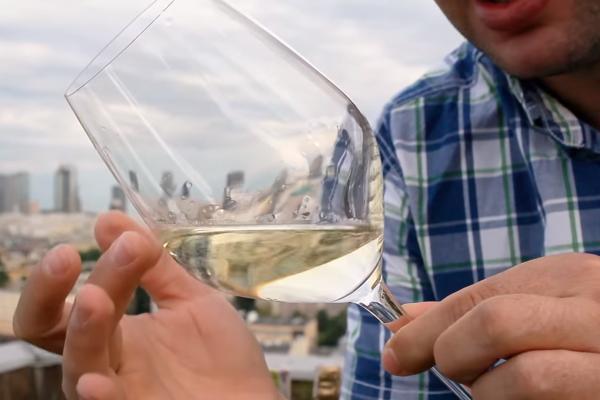 Etapy degustacji wina. Analiza wzrokowa 4Senses.TV
