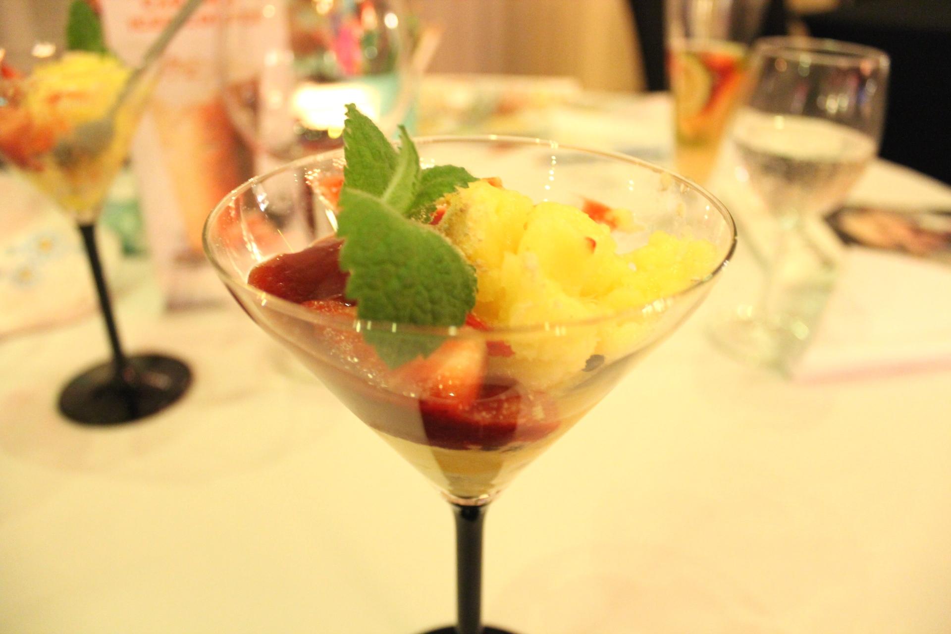 Sorbet tropikalny Restauracja Kolory Wina Hotel NoBo